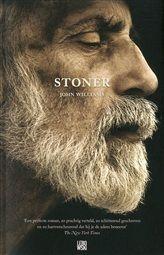 Stoner is een onwaarschijnlijk mooi geschreven roman over het weinig opzienbarende leven van een weinig opzienbarende man. `Stoner is een contemplatie over liefde, toewijding, literatuur, liefdesverdriet, en, simpel gezegd, wat het betekent om te leven. Het is een boek over turbulente stilte, een boek dat je raakt in de ribbenkast en je hart omkeert