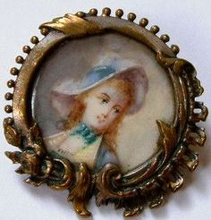 LARGE ANTIQUE HAND PAINTED BUTTON. PROB LATE 18TH OR EARLY 19TH CENTURY FRENCH.