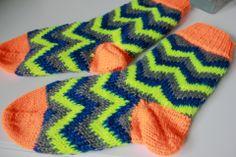 Siksak-sukat + ohje - Ystäväni neula ja lanka