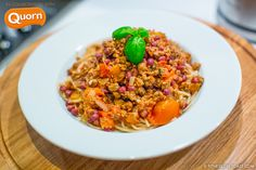 New Post: QUORN BOLOGNESE ! Full recipe for this delicious, healthy, quick & easy dish which is incredibly rich on taste as part of my ongoing collaboration with Quorn​ for a low-fat, high protein, craving-satisfying meal using meat-free Quorn mince, which tastes fabulous! Get the full by clicking the picture.