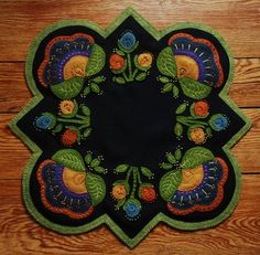 Primitive Jacobean Wool Applique Penny Rug by HorseAndBuggyCountry