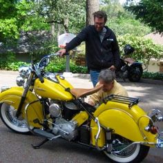 1950 Sunshine Yellow Indian Chief - My Ideas & Suggestions Indian Motorbike, Vintage Indian Motorcycles, American Motorcycles, Vintage Bikes, Vintage Motorcycles, Scooters, Indian Cycle, Americana Vintage, Indian Motors