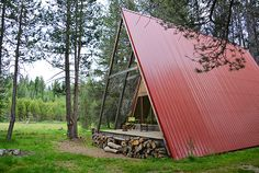 Planning a visit sometime soon to Yosemite National Park? Do yourself a favor and book a stay at the Red A Frame tiny cabin. A Frame Cabin, A Frame House, Cabin Design, Modern House Design, Yosemite National Park, National Parks, National Forest, Yosemite California, Cabin Rentals