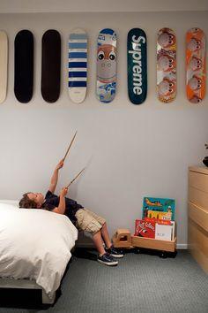 boys room, skateboards