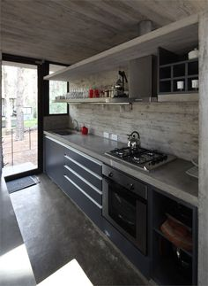 Levels House, Mar Azul, 2010 http://bit.ly/zi3Uhv #archilovers #architecture #design #kitchens