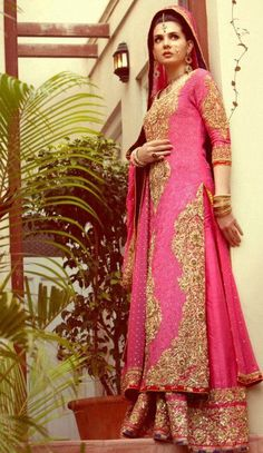 Browse Through Nomi Ansari Indian Wedding Dresses And Lehenga Collection At MyShaadi Find The Perfect Dress By