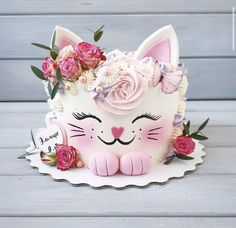 Candy Birthday Cakes, Creative Birthday Cakes, Elegant Birthday Cakes, Cookie Cake Birthday, Beautiful Birthday Cakes, Adult Birthday Cakes, Birthday Cake Decorating, 4th Birthday, Vanilla Birthday Cake Recipe