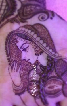 Quick figure in mehndi