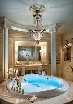 dream home fabulous jacuzzi in master bathroom