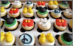 Mickey Cupcakes!   Flickr - Photo Sharing!