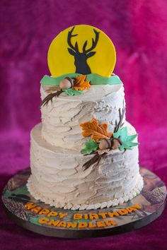 Fall is here...Acorn and Deer - Birthday cake for a hunter, requested Leaves, Acorn and Deer