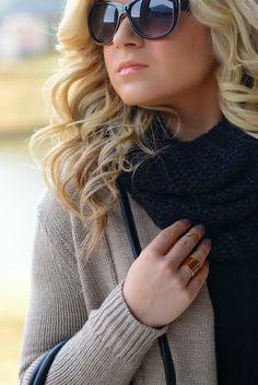 accessories || black sunglasses, black scarf, gold rings