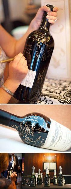 alternative guest book ideas wein champagne bottle as wedding guest book #guestbook #weddingideas