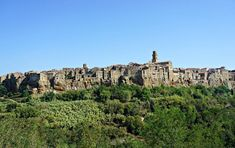 Pitigliano's highlight is Pitigliano itself: narrow picturesque streets, stone stairways and amazing views on the surrounding valley. Travel Channel, Lonely Planet, Stairways, Wonderful Places, Tuscany, Awesome, Amazing, Monument Valley, Places To Go