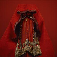 Kimiko Yoshida / the red palestinian bride, 2005