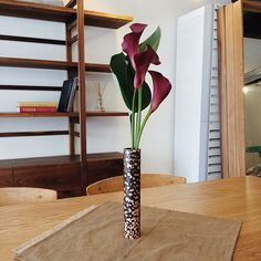 Cylinder Copper Vase I by SAESSAK LEE, a freelance designer, based in Seoul, South Korea.  ⓒ. 2015. Saessak All rights reserved.   #handmade #metalvase #coppervase #flowervase #calla