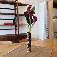Cylinder Copper Vase I by SAESSAK LEE, a freelance designer, based in Seoul, South Korea.  ⓒ. 2015. Saessak All rights reserved.   #handmade #metalvase #coppervase #flowervase #calla