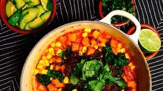 Fest i en gryte - det er chilli sin carne! Masse proteiner, grønnsaker, krydder og urter - se oppskrift på vegansk chilli på Green Bonanza.