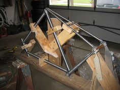 Yet another homemade bicycle frame building jig. ---- http://www.safety-silver.com
