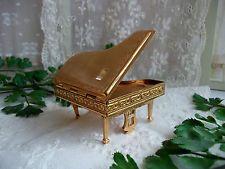 STUNNING VINTAGE PYGMALION SONATA GRAND PIANO POWDER COMPACT No 21 BOXED unused