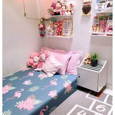 Image may contain: indoor kamar tidur Room Ideas Bedroom, Small Room Bedroom, Home Decor Bedroom, Tiny Bedroom Design, Home Room Design, Kids Room Design, Minimalist Room, Home Decor Inspiration, Sheet Sets