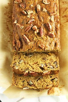 Butternut Squash Apple Bread- this bread is moist, flavorful, healthy, AND it uses seasonal ingredients // 24 Carrot Life (Apple Recipes Bread) Quick Bread Recipes, Apple Recipes, Sweet Recipes, Baking Recipes, Vegan Recipes, Healthy Baking, Healthy Desserts, Healthy Foods, Butternut Squash Bread