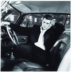 Michael Buble: http://imstars.aufeminin.com/stars/fan/michael-buble/michael-buble-20070620-272806.jpg