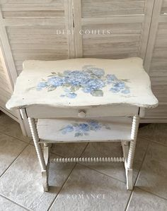 Shabby Chic Romantic Blue Hydrangea Vintage Table/Desk by Debi Coules - - Rustikalen Shabby Chic, Casas Shabby Chic, Estilo Shabby Chic, Shabby Home, Shabby Cottage, Shabby Chic Furniture, Vintage Furniture, Furniture Decor, Decoupage Furniture