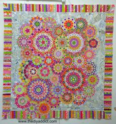 I can't tell you how happy I am to have finished this quilt top! La passacaglia finished!