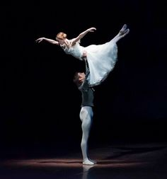 Friedemann Vogel and Alicia Amatriain in 'Giselle'Stuttgart BalletPhoto (c) Roman Novitzky