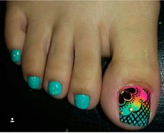Flor Pretty Pedicures, Pretty Toe Nails, Cute Toe Nails, Pedicure Designs, Pedicure Nail Art, Toe Nail Art, Fall Nail Art Designs, Toe Nail Designs, Classy Nails
