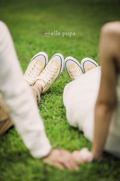 Fantastic Wedding Advice You Will Want To Share Family Portrait Photography, Bridal Photography, Couple Photography, Pre Wedding Photoshoot, Wedding Poses, Wedding Shoot, Post Wedding, Wedding Images, Wedding Pictures