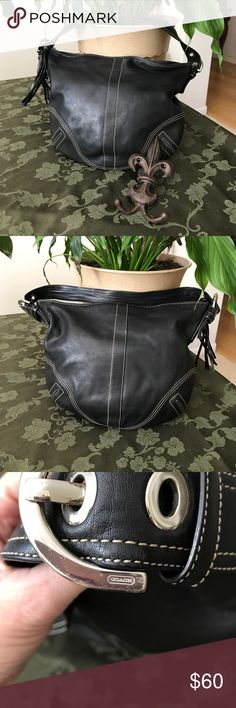 """EUC COACH Handbag Authentic vintage all leather COACH handbag. Super cute black leather with cream stitching hobo bag has an inside zipper pocket and two open side pockets. Leather tasseled zipper pull. No tears, stains or signs of wear. Handle drop approx 7"""". Coach Bags Hobos"""