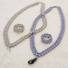 Bead necklace tutorial: chevron chain with swarovski crystals and pearls.