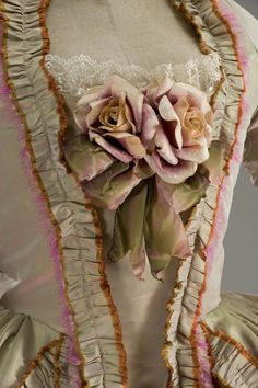 / gown worn at the time of marie antoinette / / rococo historical costume / Marie Antoinette, 18th Century Clothing, 18th Century Fashion, Vintage Dresses, Vintage Outfits, Vintage Fashion, Historical Costume, Historical Clothing, Mode Rococo