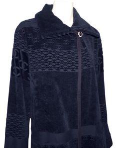 depot vente de luxe en ligne - luxury eshop online - CHANEL - MANTEAU EN VELOURS  COTELÉ NOIR   TendanceShopping.com  chanel  lovechanel  luxe ... be9e7ad3388