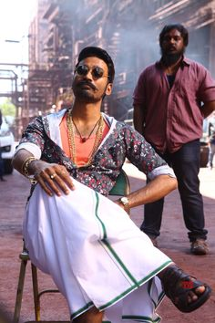 Maari 2 Dhanush handsome actor HD quality to use as your Android Wallpaper iPhone Wallpaper or iPad/Tablet Wallpaper. Actor Picture, Actor Photo, 2 Movie, Movie Photo, Hipster Haircuts For Men, Sai Pallavi Hd Images, Telugu Movies Download, Allu Arjun Images, Love Couple Photo