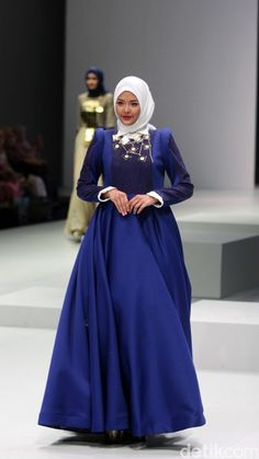 Foto: Koleksi Ria Baraba di Indonesia Fashion Week 2017