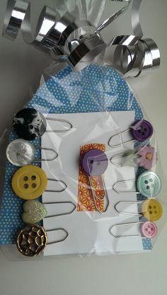 Dekorative binders, laget for et marked.