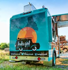 This food truck Friday features a truck that our resident Hawaiian girl Rita would love….The Hula Girl Truck ! Driving the st. Mobile Restaurant, Mobile Cafe, Mini Camper, Hello Australia, Food Truck For Sale, Mobile Food Trucks, Food Vans, Restaurant Branding, Taste Restaurant