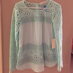 Mint green top Mint green top.. Size m. Purchased from a local boutique but never work it and tags are still attached :) Double Zero Tops