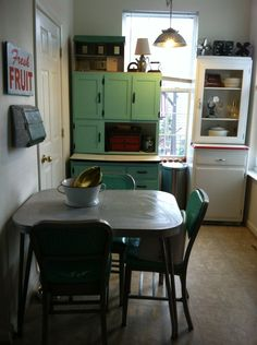 Breakfast nook -- I have the same kitchen hutch!!!