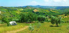 Tentplaats halverwege heuvel italie, hier wil ik wel naar toe.