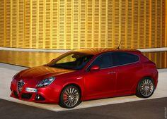 Фото›2011 Alfa Romeo Giulietta