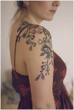 Black and white floral shoulder tattoo: Tattoo Trends - Flowers