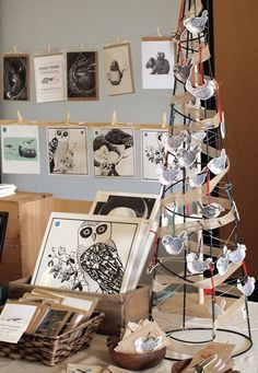 Inspiration for a market display. Spray paint tomato cage, turn upside down and use clothespins to display Christmas cards Craft Stall Display, Market Stall Display, Craft Fair Displays, Market Displays, Market Stalls, Display Ideas, Booth Ideas, Booth Displays, Christmas Card Display