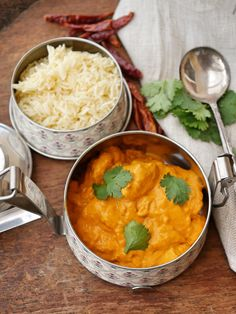 Butter Chicken is an all year round classic and this one is super easy. Especially if you have the Kasoundi ready to go! Fire up your Thermomix! Chicken Recipes Thermomix, Cooking Recipes, Healthy Recipes, Cooking Tips, Beef Satay, Pork Wraps, Apricot Chicken, Steamed Chicken, Fresh Turmeric