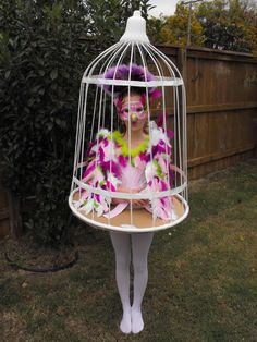 Cool use of a hula hoop! My next Halloween costume! Halloween Karneval, Halloween Kostüm, Holidays Halloween, Creative Halloween Costumes, Halloween Decorations, Creative Costumes, Cute Costumes, Baby Costumes, Costume Ideas