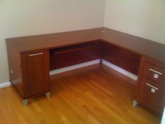 Bush WC81710-11 L-Shaped Desk assembled by Furniture Assembly Experts today in 30 minutes in Fairfax Virginia