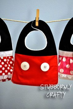 Mickey and Minnie Baby Bib Tutorial - Great idea for the little ones in the group.